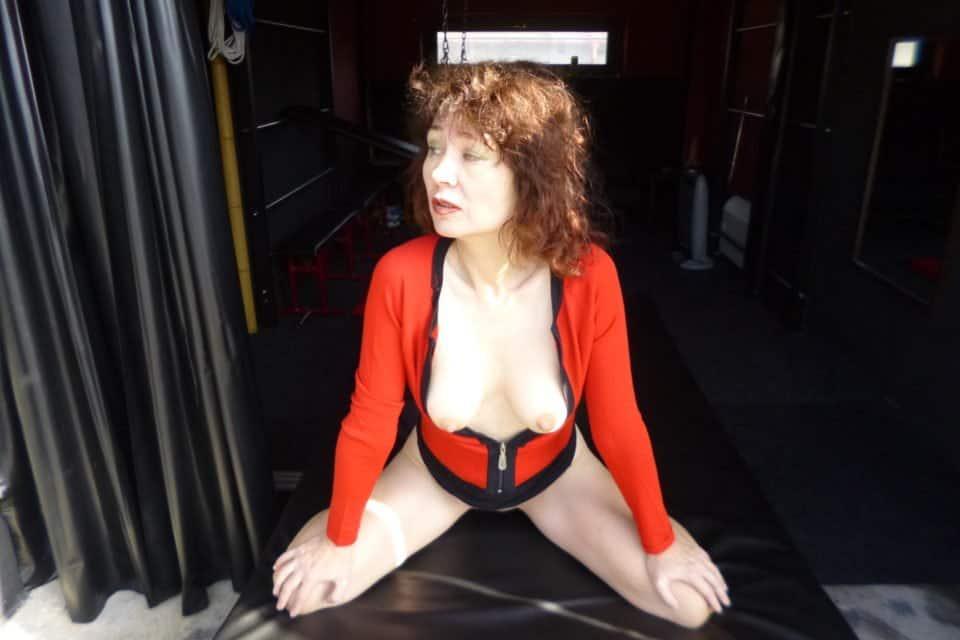 LadySimone - Sexy Lady mit festen Fickarsch