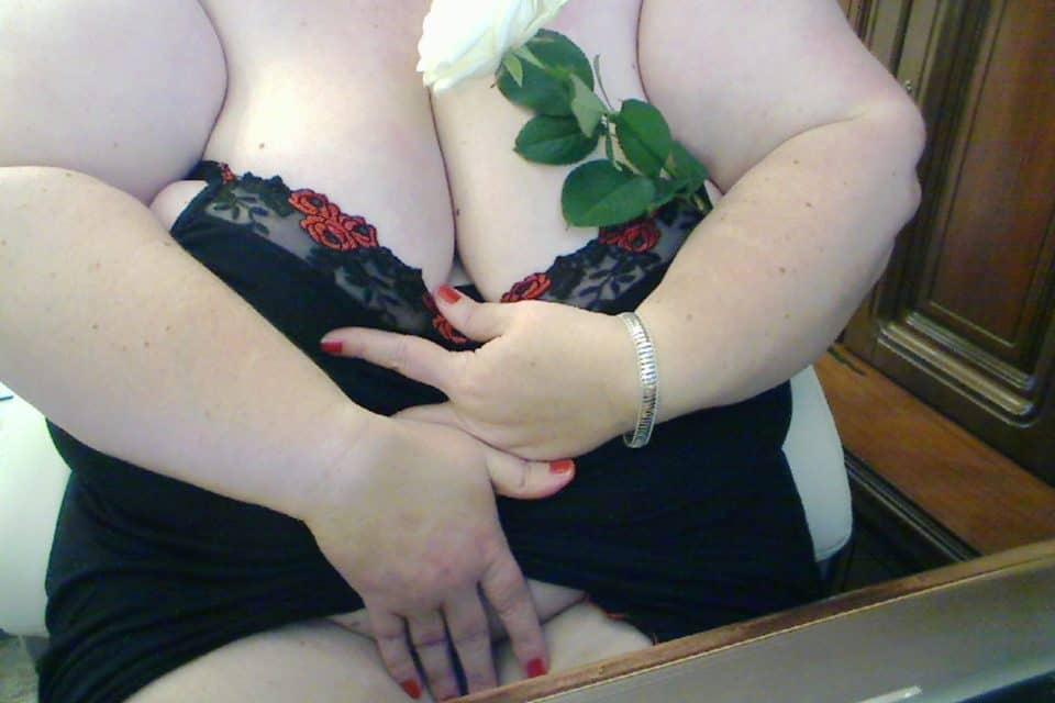 Secret-Love - Rubenslady mit XXL-Titten