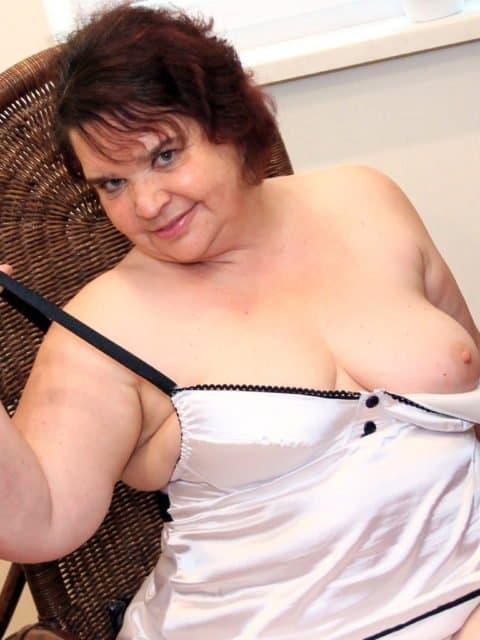 sexgeile Chefin - Rubens-Milf für Handentspannung